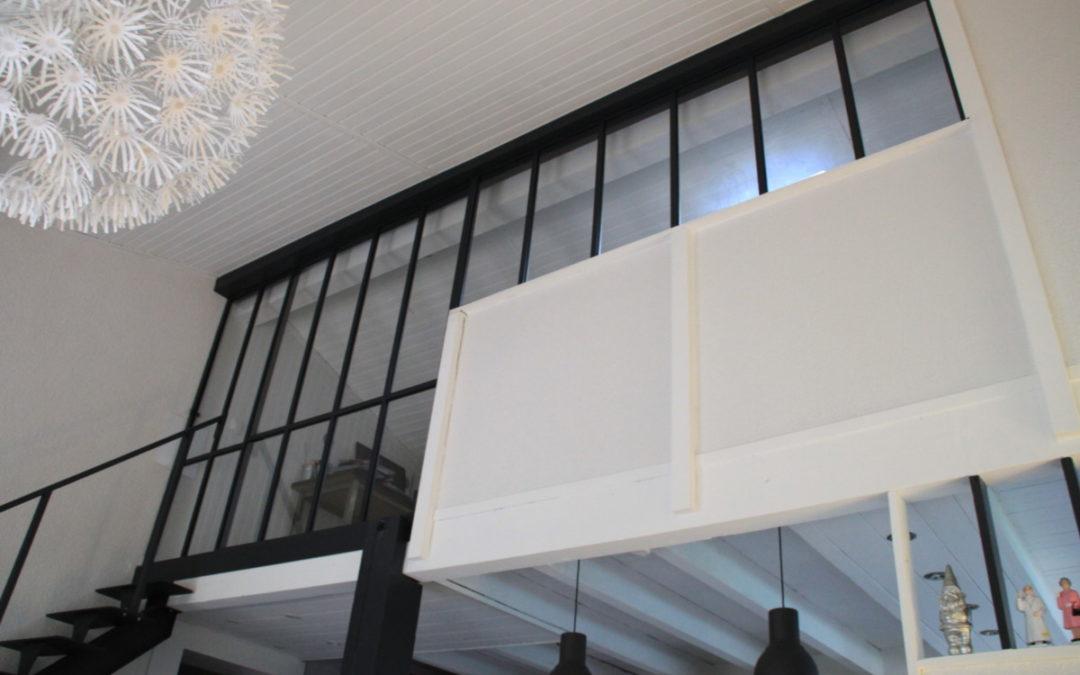 Verriere d'intérieur en metal blanc